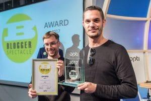 opti2017-BloggerSpectacleAward-Lool