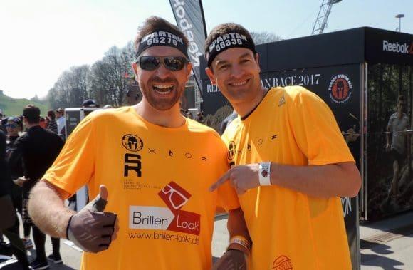 Augenoptiker Lars Mlodoch und Daniel Buhr ( r+h)