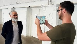 3D-Vermessung des Kopfes mittels der Powder & Heat Software. Links: Murat Balci, Head of Sales; rechts: Manuel Breit, Geschäftsführer