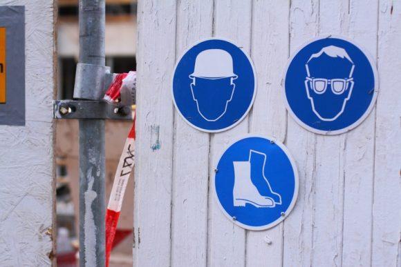 pixabax-schutzbrille und mehr-1040512_1280