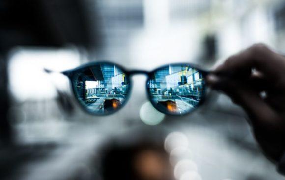 Sicht durch Brillle