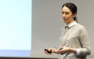 eyebizz 70 Frauen: Julia Löwen arbeitet als Optometristin an der Charité Berlin