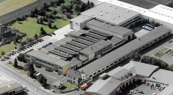 Schweizer Optik: Firmengelände