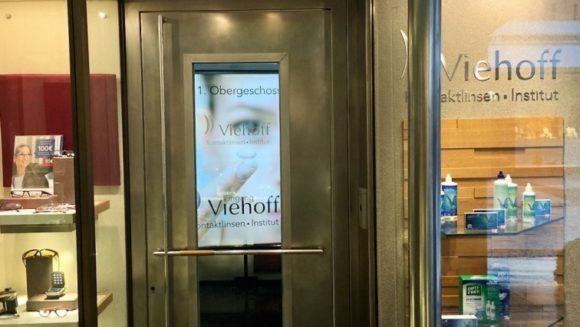 eyebizz: Viehoff Kontaktlinsen-Institut - der Eingang