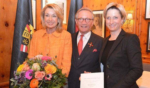 Bundesverdienstkreuz für Dr. Helmut Baur