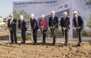 Spatenstich für das Zeiss Innovation Hub @ KIT