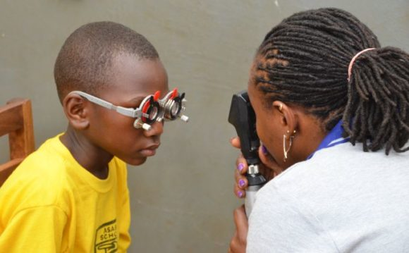 CooperVision und Optometry Giving Sight: Emmanuel hat davon profitiert
