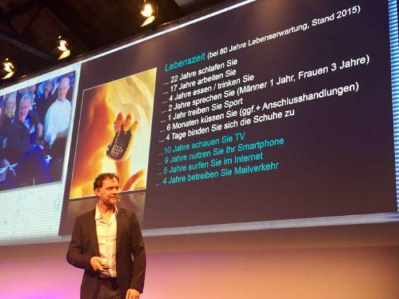 Volker Busch bei seinem Vortrag auf dem Spectaris trendForum 2018 in Berlin