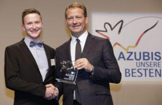 Zeiss: Bundesbester Auszubildender - Feinoptiker Felix Stolte