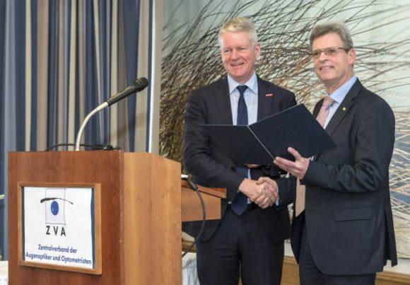 ZVA - Mitgliederversammlung 2019: Holger Schwannecke ehrt Thomas Truckenbrod