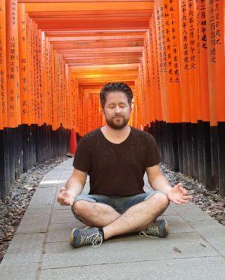 Augenoptiker Christian Tannek - beim Meditieren