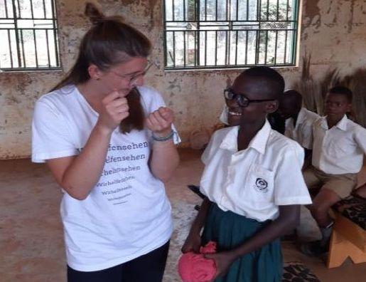Wir helfen sehen - Augenoptik in Uganda - Abgabe