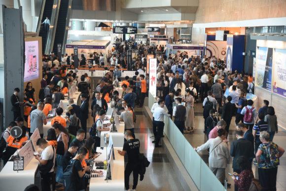 6th November - HKOF is full of visitors
