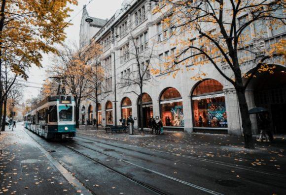 Lenstore - Sehen - 3 Strassenbahn original