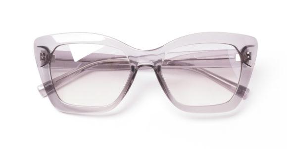Transparente Brillen sind im Trend