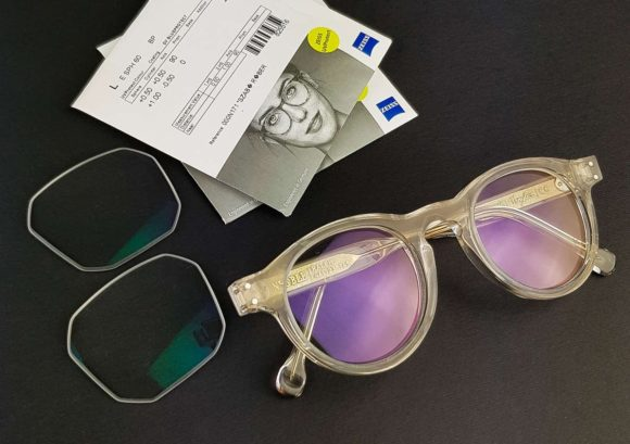 Vinylize - Brillen - Spenden von Tipton und Zeiss