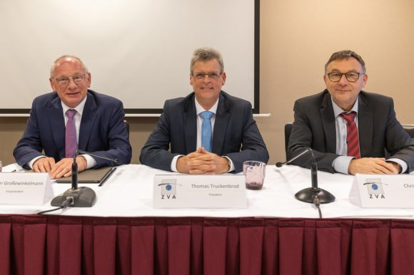ZVA - Mitgliederversammlung 2020 - das alte und neue Präsidium