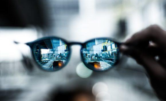 Brille - Brillengläser - Durchblick