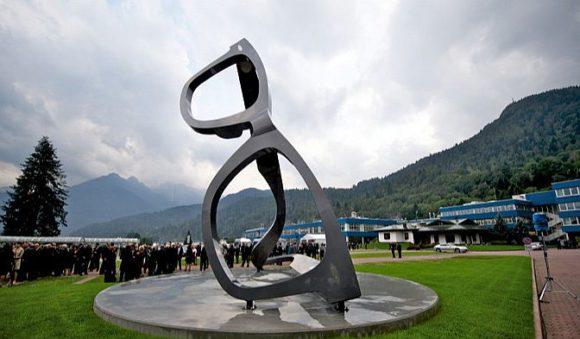 Luxottica Brillen-Skulptur - Agordo