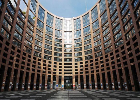 EU-Parlament in Brüssel - Medizinprodukte-Gesetz