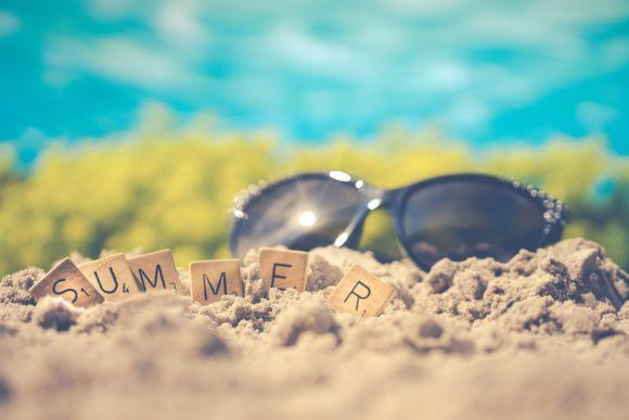 Sommer und Sonnenbrille