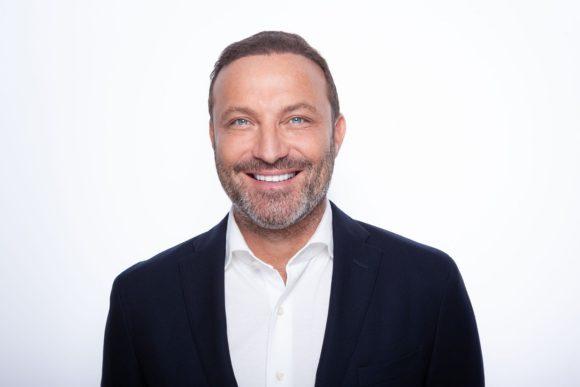 Pro Optik - Micha S. Siebenhandel - CEO