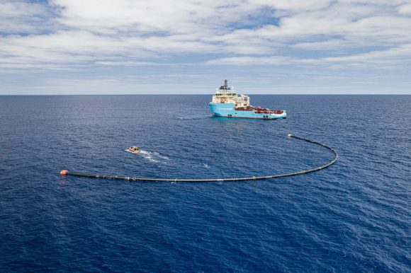 TheOceanCleanup - System 001-B deployed in the Great Pacific Garbage Patch