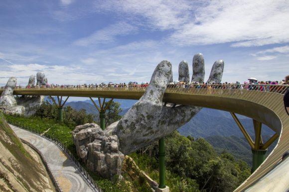 Vietnam - Da Nang - Die Goldene Brücke Ba Na Hill