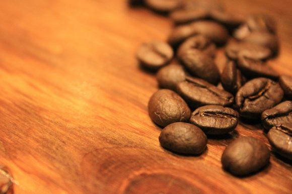 Materialien für nachhaltige Brillen - Holz und Kaffee