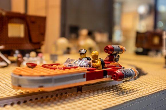 Schaufenster 2020 hanssen by Herr Lutz - Lego-Version von Tatooine aus Star Wars
