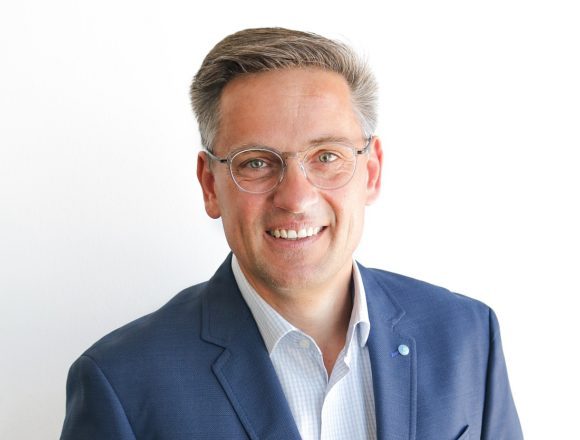 OWP - Christian Schwenk - Sales Manager DACH