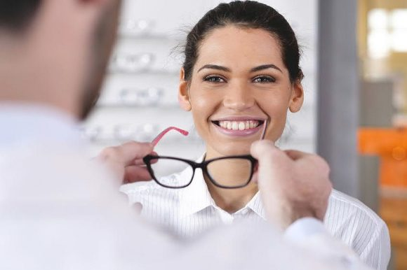Umfrage Augenoptiker-Gehalt 2021 - Beutler Saghari