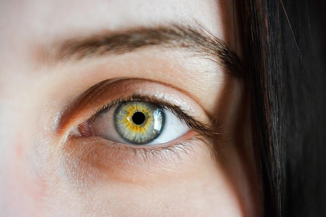 Zwei menschen augenfarben mit Augenfarbe