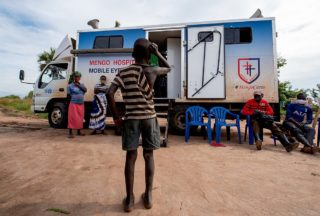 Augenarzt Praxis mobil Uganda - CBM