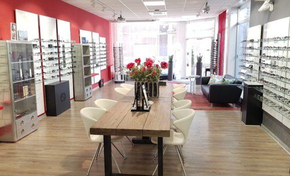 Optiker Brökelschen - Verkaufsraum mit Männer-Ecke