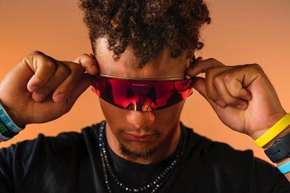 Oakley - Sportbrille Kato - Luxottica Group