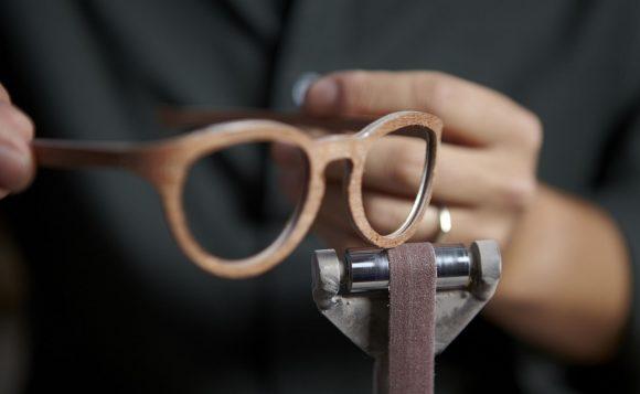 W-eye Holzbrille Schleifen