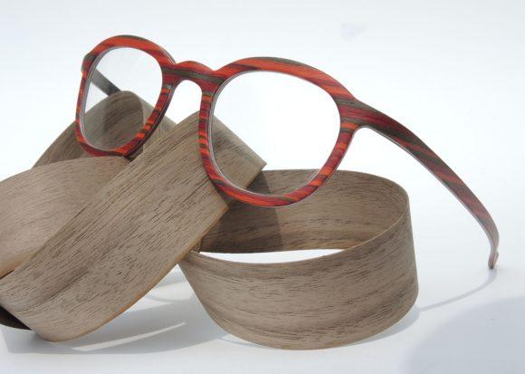 W-eye Holzbrille mit Streifen