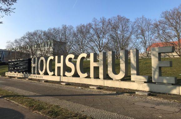 Beuth Hochschule Berlin - Neuer Name: zuerst Buchstaben verhüllt