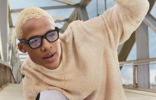 Smart Glasses - EssilorLuxottica Facebook - Ray-Ban Stories Wayfarer clear