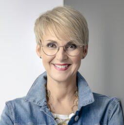 eyebizz Corona Umfrage 2021 - Petra Lindner